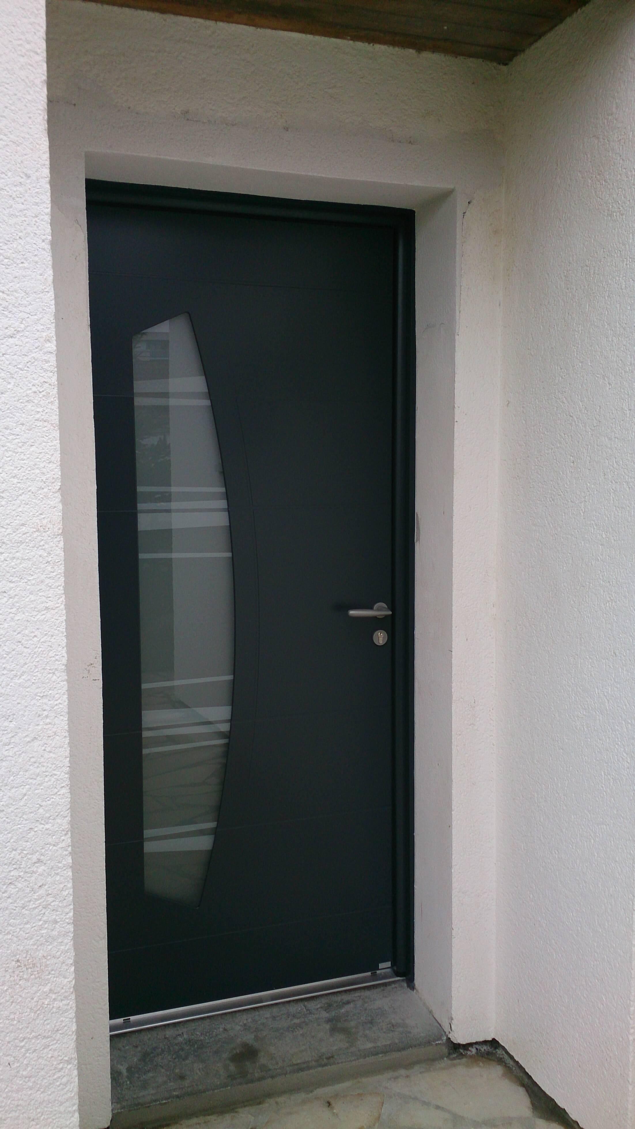 Porte aluminium mod le virgule d clic menuiserie for Porte aluminium