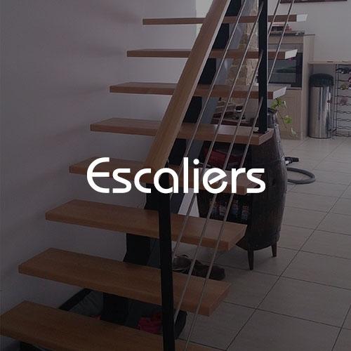 Escaliers bois et mixe de matière